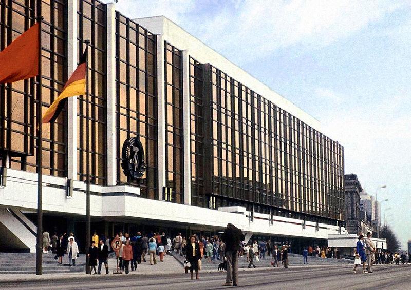 Palast der Republik, Berlin, 1973-76; Architekt: Heinz Graffunder u. a. (Foto: Lutz Schramm/CC-BY-SA)