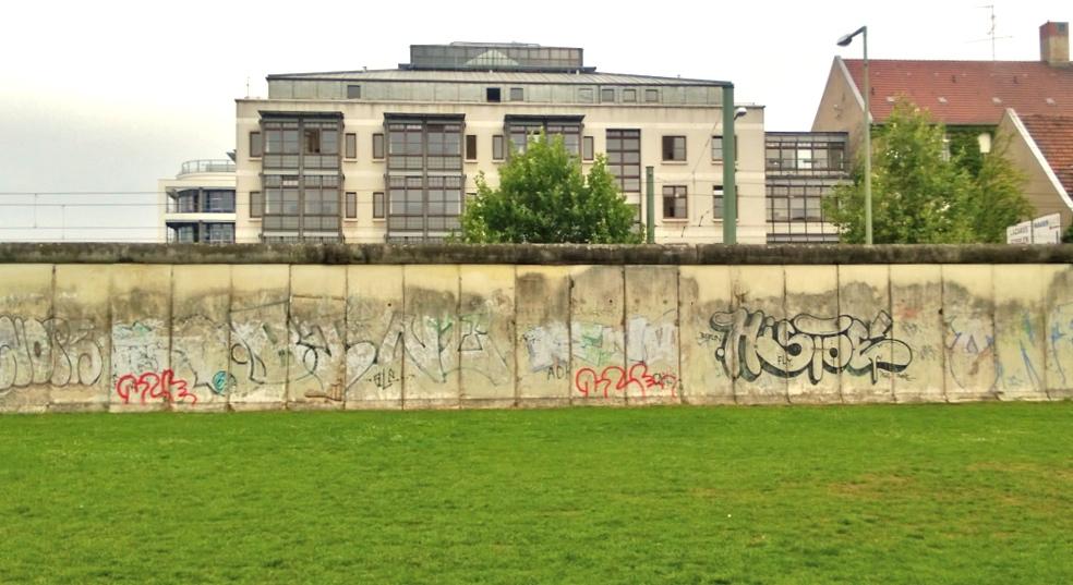 Überreste der Berliner Mauer im Bereich der Gedenkstätte an der Bernauer Straße, März 2013 (Foto: Ingrid Scheurmann)