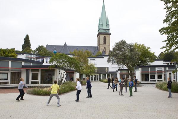 Geschwister-Scholl-Schule in Lünen, Architekt: Hans Scharoun, 1956 bis 1962 (Foto: Andrea Diefenbach © Wüstenrot Stiftung)