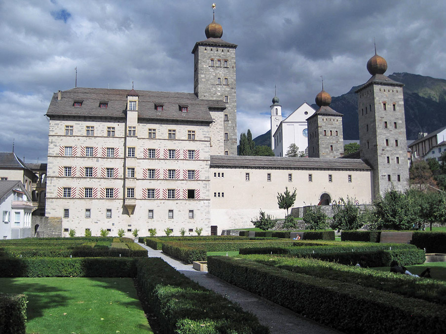 Abb. 6 Zeitgenössisch Weiterbauen: Neugestaltung des Schlossgartens Brig 1996-2002